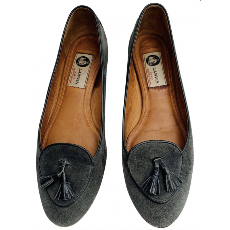 LANVIN DARK GRAY GREY SUEDE LOAFER FLATS SHOES BLACK PATENT LEATHER TASSELS, 39
