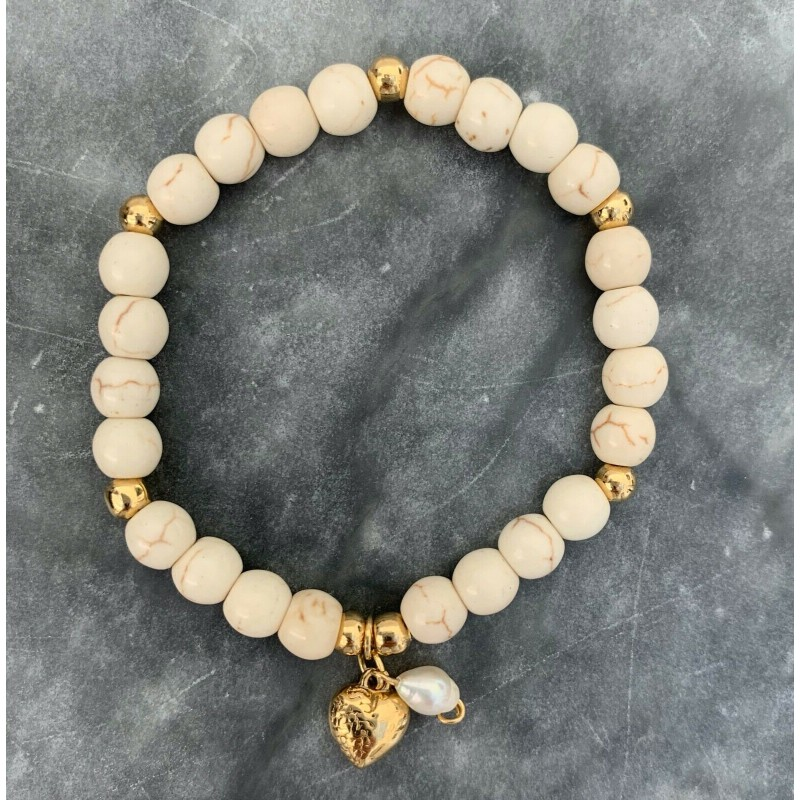 NATURAL ROUND STONE BRACELET, FRESHWATER PEARL & GOLD HEART CHARM ON ELASTIC